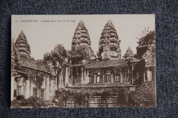 ANGKOR VAT -Intérieur De La Cour Du 1er étage - Cambodge