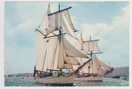 CPSM Signée Jos - Goélettes De La Marine Nationale - L'ETOILE Et LA BELLE POULE - Schiffe