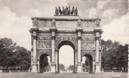 Carte Photo - Paris France - Arc Carrousel - Éditions Chantal - État : TB - 2 Scans - France