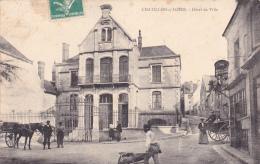 CPA Animée (45)  CHATILLON Sur LOIRE Hôtel De Ville - Chatillon Sur Loire