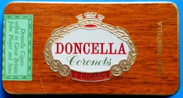 EMPTY TOBACCO CIGARETTES METAL BOX DONCELLA CORONETS JOHN PLAYER AND SONS GREAT BRITAIN - Boites à Tabac Vides
