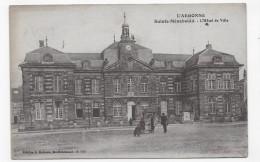 SAINTE MENEHOULD EN 1918 - L' ARGONNE - L' HOTEL DE VILLE AVEC PERSONNAGES - CPA VOYAGEE - Sainte-Menehould