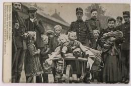 Nederlandse Soldaat Helpt Kroostrijk Belgisch Gezin Bij Vlucht Naar Nederland - Guerre 1914-18