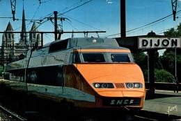 Le T.G.V. En Gare De Dijon - Trains
