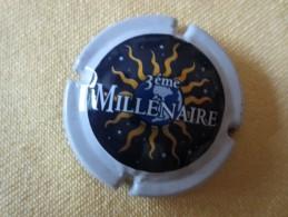 GENERIQUE. 3 éme Millénaire. Fond Bleu Foncé - Champagne