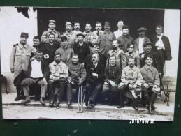 Groupe De Soldats Des 70e, 80e, 86e, 131e RI En Convalescence 1915 - War 1914-18