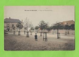 Cpa De (45) BEAUNE LA ROLANDE Place De L'Hôtel De Ville     Non écrite   Rare - Beaune-la-Rolande