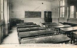 ECOLE(CLASSE) ARGENTON SUR CREUSE - Schools