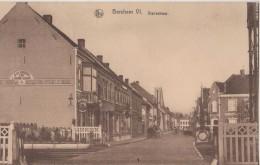"""CPA Belgique . BERCHEM. Statiestraat. Rue De La Gare. Passage à Niveau. Attelage. Magasin """"A La Barrière"""" Chez Hesquin - Belgium"""