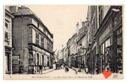 10321-LE-88-NEUFCHATEAU-La Rue Saint-Jean Et L´ Hôtel De Ville----------animée-commerces - Neufchateau