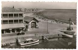 CPA 34      PALAVAS LES FLOTS    1956  PLAGE DE LA RIVE GAUCHE   HOTEL LE MEDITERRANEE  RESTAURANT - Palavas Les Flots