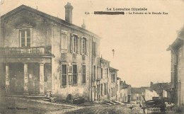 DOMEVRE EN HAYE - Le Prétoire Et La Grande Rue. - Domevre En Haye