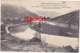 Besançon Historique - 25 - Vallée Du Doubs à Casamène Et L'Ile Malpas. Dans Le Fond, Pont Et Village De Velotte - Besancon