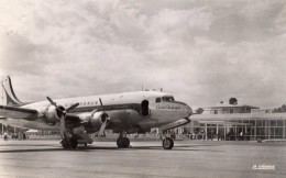 "AEROPORT DE VICHY CHARMEIL L'AEROGARE D C 4 ""SKYMASTER"" AU PARKING - Vichy"