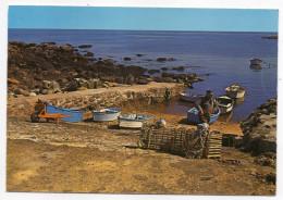 Ile D'YEU--1980--Le Petit Port De La Pointe Des Corbeaux (animée,pêcheur,brouette) ................à Saisir - Ile D'Yeu