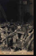 CPA 105 Thiers Intérieur De La Coutellerie ND Phot Enfant Au Travail 63 Puy De Dôme - Thiers