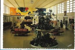 Aéroport   De Tarbes - Lourdes Le HALL - Aérodromes