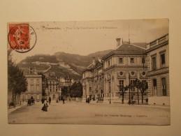 Carte Postale - GRENOBLE (38) - Place De La Constitution Et Bibliothèque (205A) - Grenoble