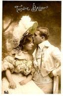[DC3237] CPA - COPPIA - TENERO BACIO - CAPPELLO - Viaggiata 1905 - Old Postcard - Coppie