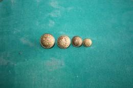DIJON - COTE D´OR - LYCEE CARNOT - Lot De 4 Tailles Differentes - Buttons