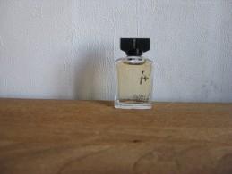 MINIATURE DE PARFUM FIDJI DE GUY LAROCHE EAU VIVIFIANTE PARFUMEE 5ML - Miniatures Modernes (à Partir De 1961)