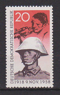 DDR MiNr. 662 20 Pf.  Postfrisch Arbeiter Mit Gewehr, Soldat Der Nationalen Volksarmee - DDR
