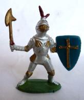 Figurine CYRNOS MOYEN AGE MA11 CHEVALIER BRANDISSANT HACHE ECU CROIX BLEU ET OR 50's Pas Starlux Clairet - Starlux