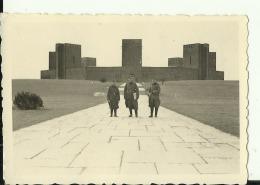 A205  --  DEUTSCHLAND   --  ORIGINAL PHOTO   --   8,5 Cm X 6 Cm  --   TANNENBERG DENKMAL - 1939-45