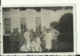 SERBIA, KINGDOM OF YUGOSLAVIA  --  SOLDATEN  --  HOSPITAL  -- 8,5 Cm X 5,5 Cm  --   REAL PHOTO PC - Militaria