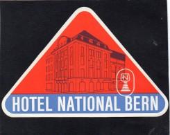 VIEILLE ETIQUETTE HOTEL  NATIONAL BERN ALLEMAGNE VINTAGE LUGGAGE LABEL - Etiquettes D'hotels