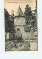 LES POUX : Le Château. 2 Scans. Edition PM - Other Municipalities