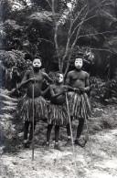 Cpsm A.E.F., Danse Bakouta Par De Jeunes Africains En Jupe-pagne Colorée (52.37) - Afrique