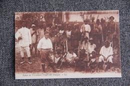 DAKAR - Une équipe De Travailleurs. - Sénégal