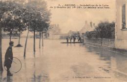 58-DECIZE- INONDATION DE LA LOIRE, DU 18 OCTOBRE 1907, LA SAULAIE SOUS L'EAU - Decize