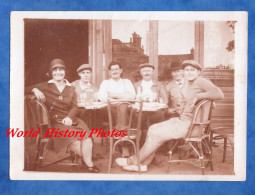 Photo Ancienne Snapshot - SANNOIS - Portrait D'une Terrasse De Café - 1928 - Guerra, Militares
