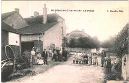 Carte Postale Ancienne De SAINT BROINGT LE BOIS-La Place - Autres Communes