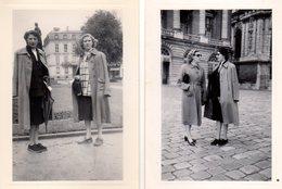 Photo Originale Femme - 2 Photos - Femmes En Imperméable & Lunettes, Peu Commodes ! Mai 1951 - Personnes Anonymes