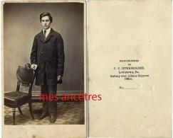 CDV-famille Américaine 16/20- Jeune Homme-par C.C Burkholder Lewistown PA-USA- - Photos