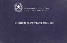 VR 3001 ITALIE JAARBOEK 1986 MET ZEGELS EN 3 BRIEFKAARTEN VOLLEDIG COTE € 119,00 ZIE SCAN - Collections (en Albums)