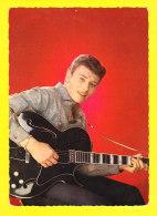 Artiste-398Ph64 JOHNNY HALLYDAY, Années 60 , Johnny Avec Une Guitare - Chanteurs & Musiciens