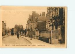 SEGRE : Rue De La Gare, La Caisse D'Epargne. 2 Scans. Edition Artaud - Segre