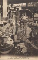 Pays Div- Centrafrique - Ref F980 - Types Africains - Marchande De Poissons Et Sa Coiffeuse  - - Central African Republic