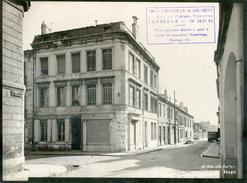 BORDEAUX 1960 /RUE DE KATER N° 12 DEVANTURE COMMERCE RESTAURANT  / QUARTIER MERIADECK AVANT DEMOLITION / FORMAT 24X18 CM - Places