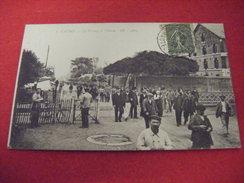 TARBES SORTIE DE L'ARSENAL ,LE PASSAGE A NIVEAU 1920 - Tarbes
