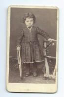 Ancienne Photo CDV De NOIRVACHE DORVILLE, à CONDE Sur NOIREAU (14) : ENFANT Avec Jouet - Persone Anonimi