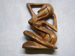 Superbe Statuette Artisanale En Bois, En Tres Bon Etat. - Sculptures