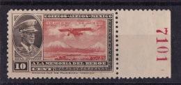 MEXICO (Sc # C-6) MNH-disturbed Gum (Single From Set)  Emilio Carranza & Plane (1929) - Mexico