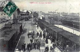 54 LUNEVILLE LA GARE LES QUAIS  GRANDE ANIMATION TRAIN CHEMIN DE FER - Luneville