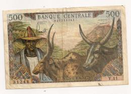 Ce Billet De 500 Frs A Circulé Mais Tres Rare - Cameroun