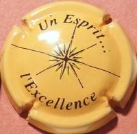 """Baron Fuenté N°15, """"Un Esprit L'Excellence"""", Fond Jaune-orangé - Champagne"""